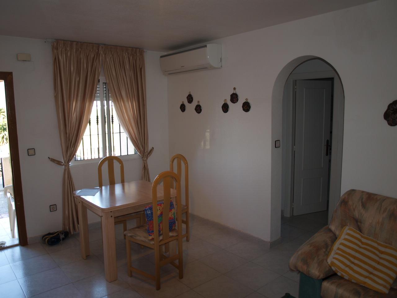 spanien costa blanca ferienwohnung torrevieja san luis unterere bungalow wohnung mit garten. Black Bedroom Furniture Sets. Home Design Ideas