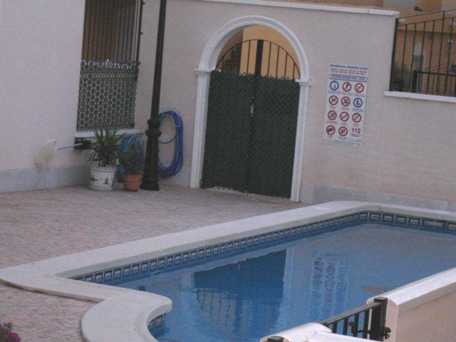 R464_16 G.-Pool