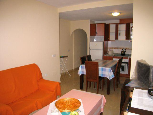 R464_7 WZ mit Küche