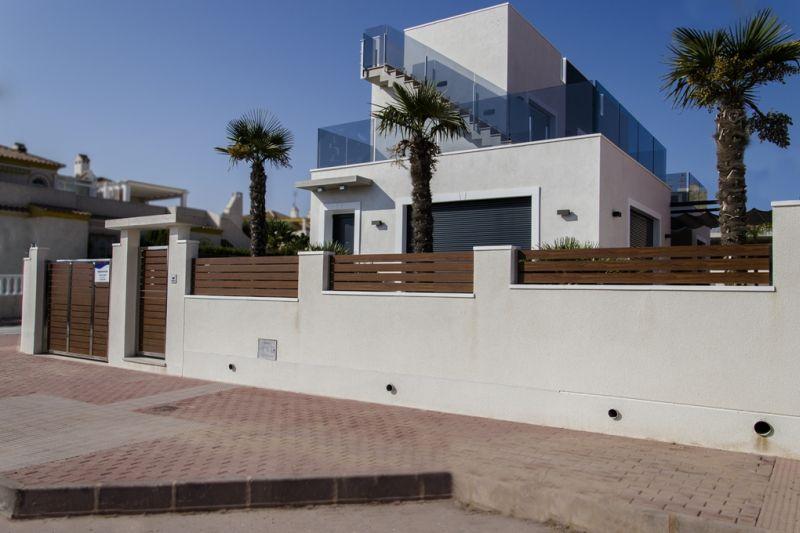 Costa Blanca süd – Torrevieja Strand – Luxus Villa nur 300 m vom Strand