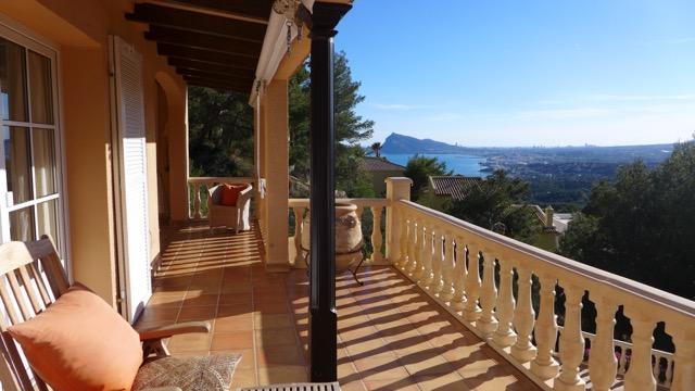 Altea Hills – Komfort-Villa, Weitsicht aufs Meer