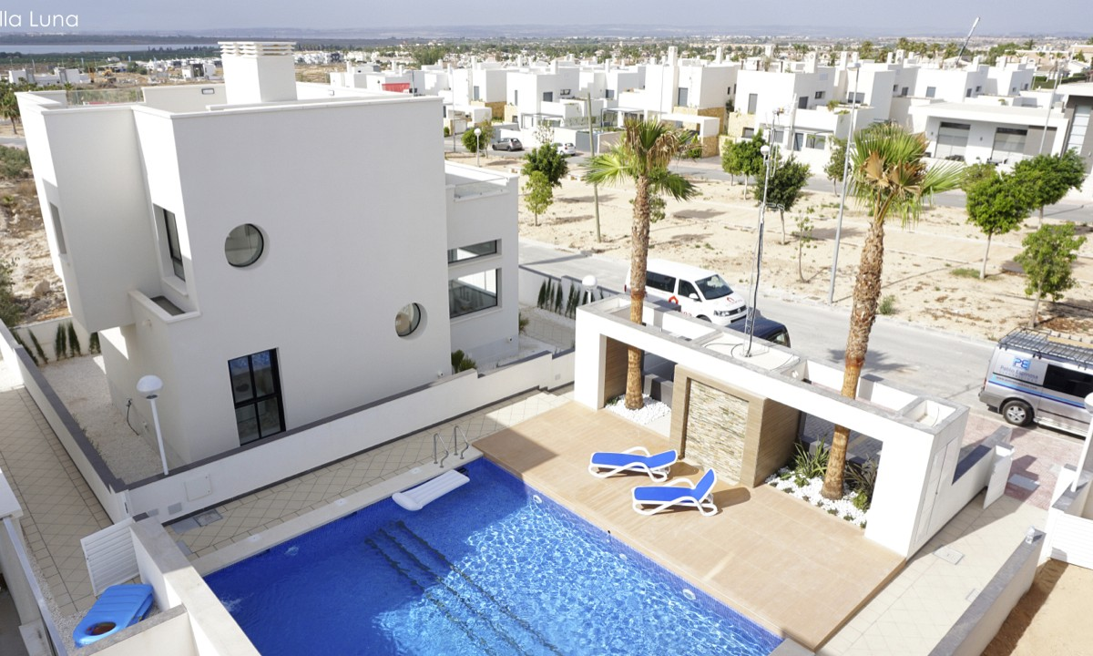 Costa Blanca Süd – Schöne freistehende Häuser mit Blick auf die ...