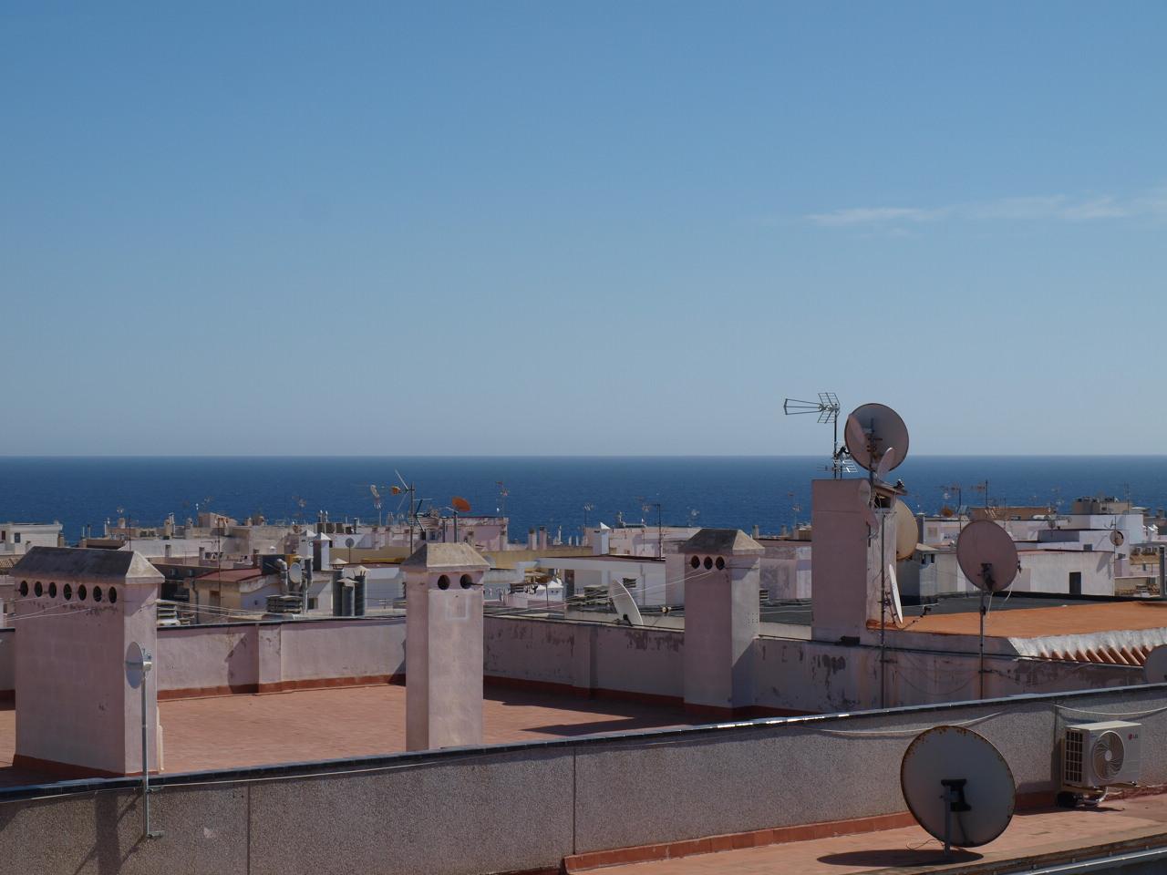 Schöne 2 Schlafzimmer Wohnung im Herzen Torreviejas 400 m zum Strand