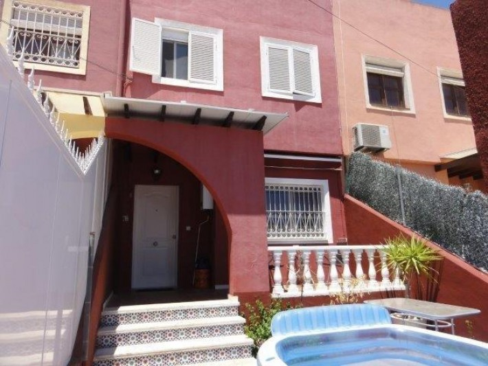 Spanien – Costa Blanca – Reihenhaus mit Solarium in La Siesta – Torrevieja