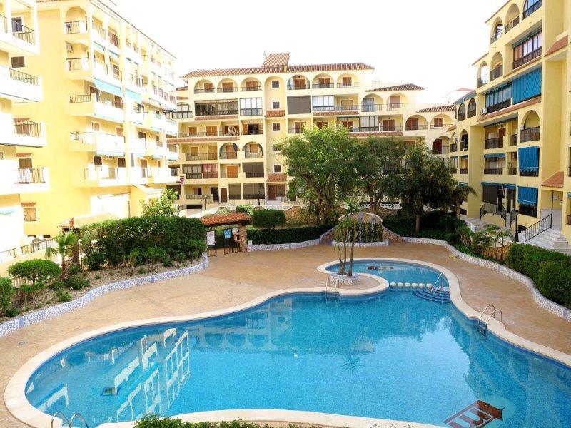Torrevieja-La Mata, Studio-Apartment in Viñamar III mit Blick auf den Pool