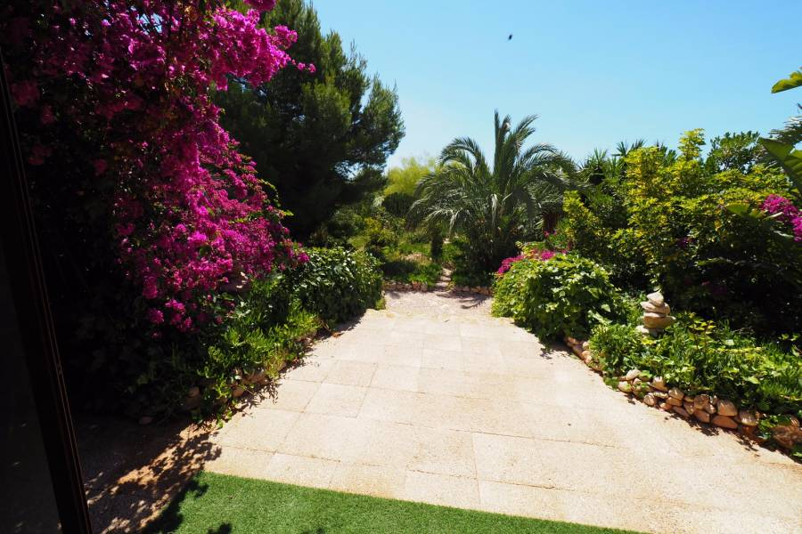 SPAIN COSTA BLANCA Crevilente, Incredible Finca Thai Style, Ideal for B & B, 5 bedrooms, 5 bathrooms, Natural pool