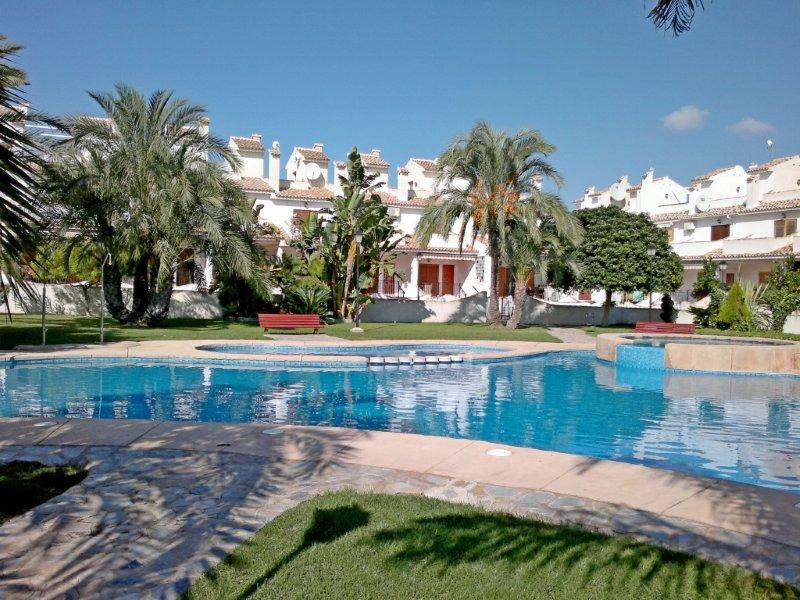 SPANIEN COSTA BLANCA Gran Alacant, Prächtiges Reihenhaus, 3 Schlafzimmer, 2 Badezimmer, 217qm, Gemeinschaftspool