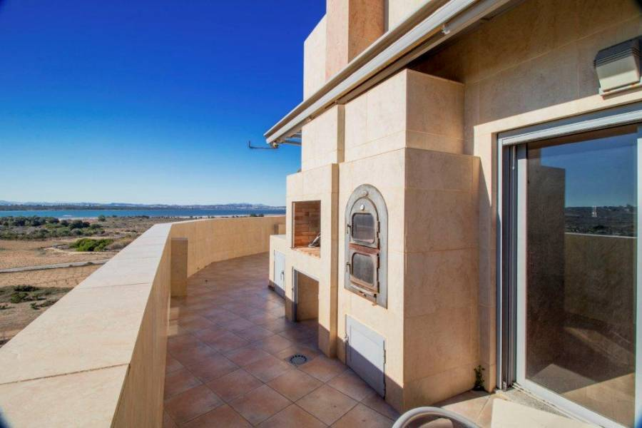 SPAIN COSTA BLANCA Torrevieja-La Mata, Corner penthouse with huge terrace and views to the lagoon and the sea + closed garage