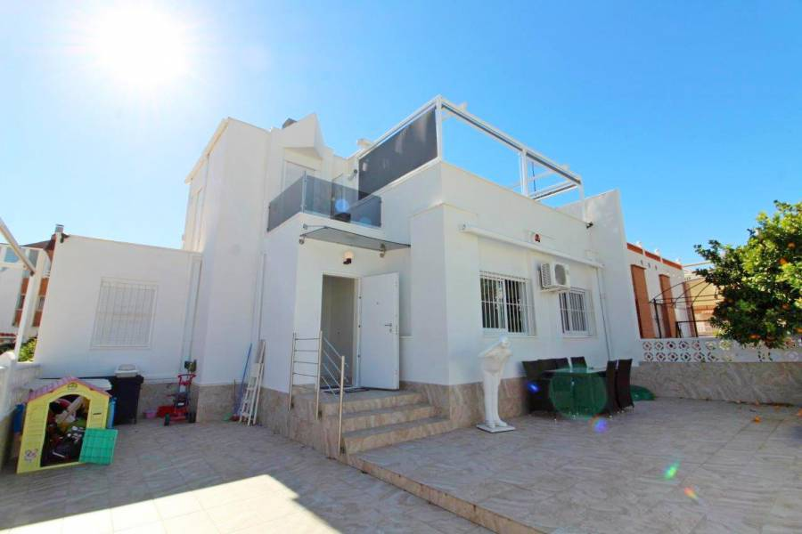 SPAIN COSTA BLANCA Torrevieja-Los Altos, Chalet completely renovated