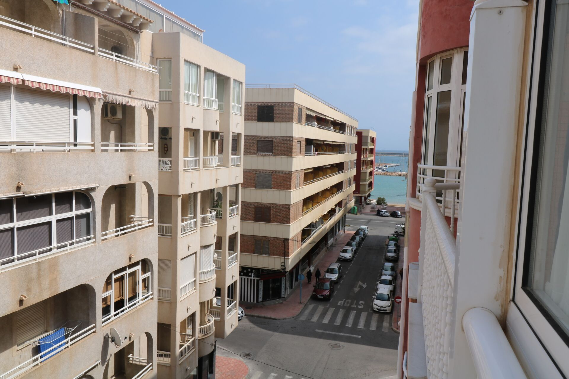 SPAIN COSTA BLANCA – TORREVIEJA, APARTMENT OF 3 BEDROOMS AND 2 BATHROOMS VERY CLOSE TO THE BEACH