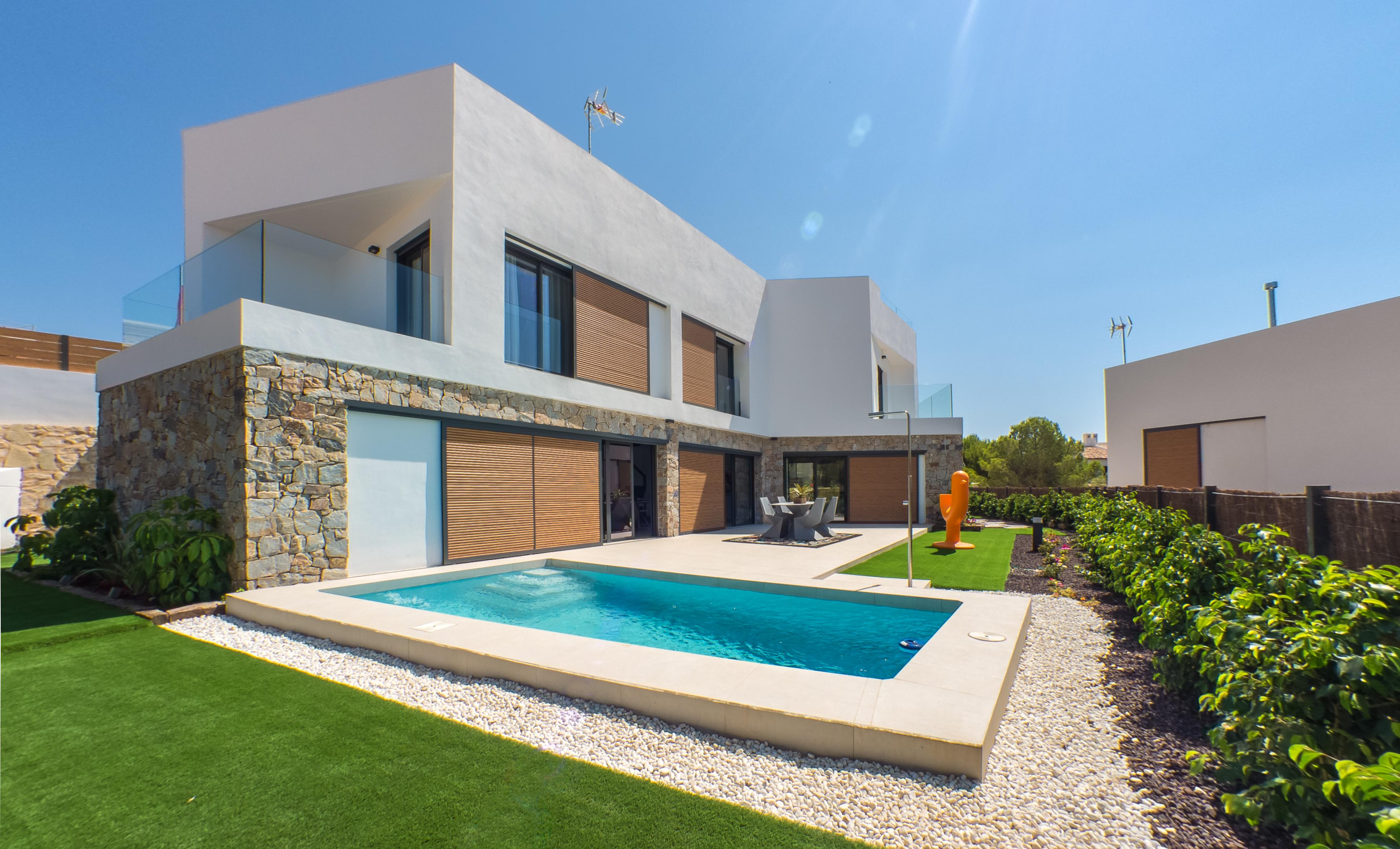 SPAIN COSTA BLANCA – Benidorm, luxury villas with basement, pool and amazing sea views