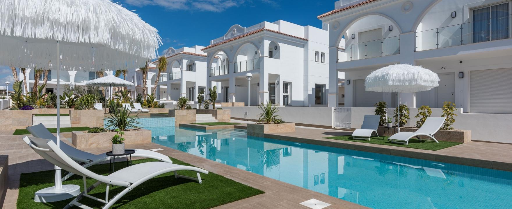 SPANIEN COSTA BLANCA – Doña Pepa (Quesada) Neue Reihenhäuser im mediterranen Stil