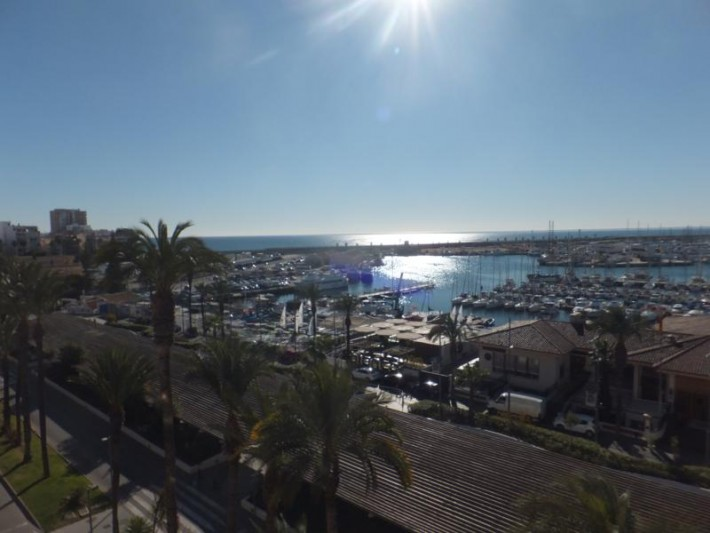 SPAIN COSTA BLANCA – Beautiful Renovated Apartment on the First Line with Views of the Sea and the Port of Torrevieja