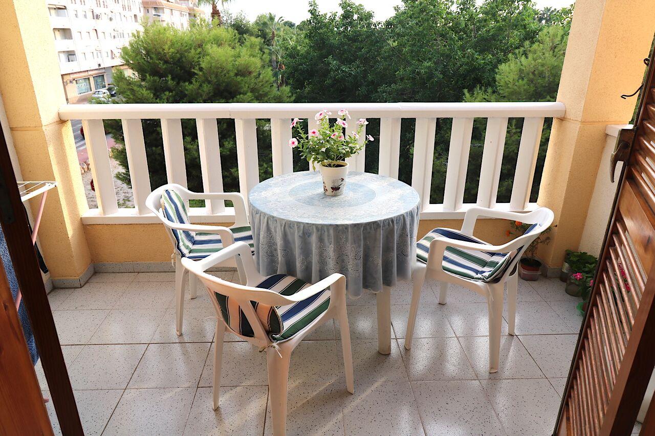 ESPAÑA – Costa Blanca – Torrevieja, Apartamento con 2 dorm. , 300 mtr hasta la playa